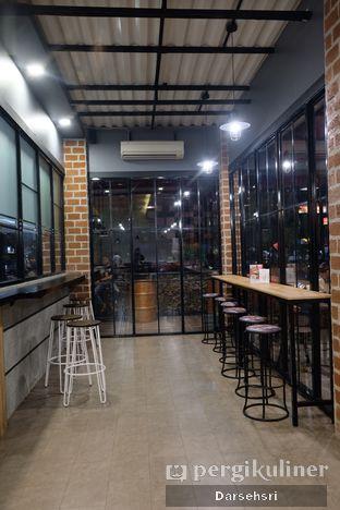 Foto 4 - Interior di Klenger Burger oleh Darsehsri Handayani