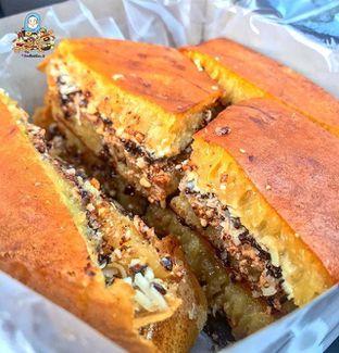 Foto review Martabak Encek (Martabak Bangka Legendaris Gg. Aut) oleh @Foodbuddies.id | Thyra Annisaa 1