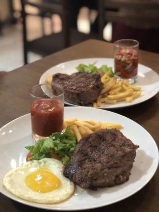 Foto - Makanan(Tenderloin Steak) di Prabu Steak & Coffee oleh feedthecat