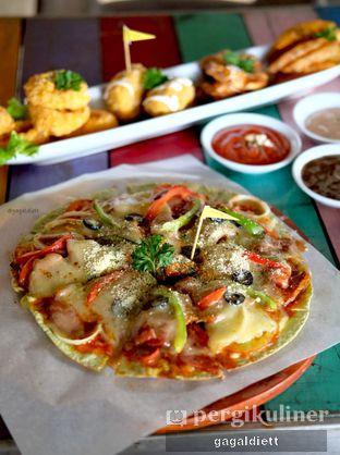 Foto 7 - Makanan di The Grounds oleh GAGALDIETT