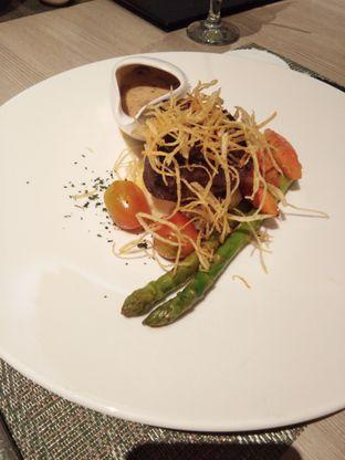 Foto review Spice Restaurant - Oakwood Hotel & Residence Surabaya oleh ochy  safira  5