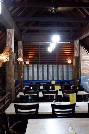 Foto 9 - Interior di Pondok Ikan Bakar Khas Kalimantan oleh yudistira ishak abrar