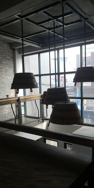 Foto 6 - Interior di Koultoura Coffee oleh om doyanjajan