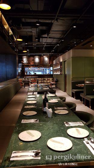 Foto 8 - Interior di FLYNN Dine & Bar oleh UrsAndNic