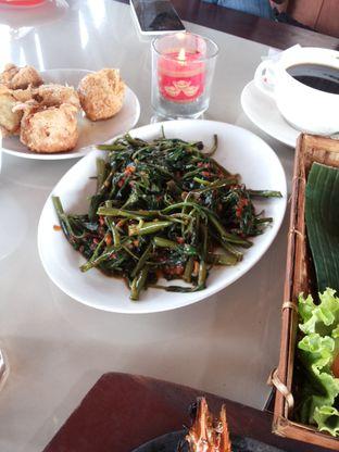 Foto 5 - Makanan di Talaga Sampireun oleh Yutrisko