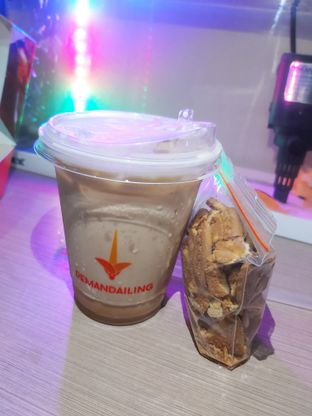 Foto 3 - Makanan(Ice Regalatte) di De Mandailing Cafe N Eatery oleh Kezia Kevina
