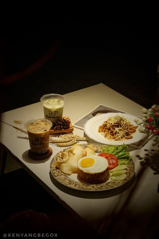 Foto 1 - Makanan di Turn On Coffee & Eatery oleh Vionna & Tommy