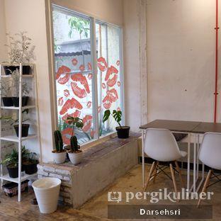 Foto 6 - Interior di Toko Kopi Roompi oleh Darsehsri Handayani