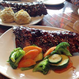 Foto 1 - Makanan(Full Slab Baby Back Ribs) di Outback Steakhouse oleh Pengembara Rasa