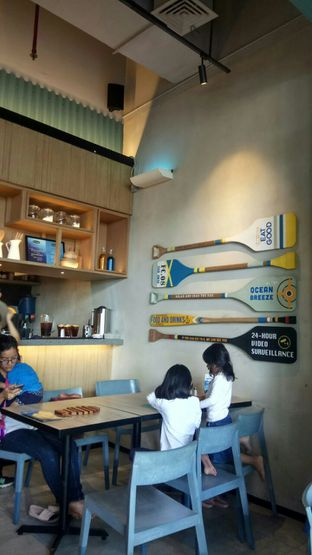 Foto 4 - Interior di Fish & Co. oleh YSfoodspottings