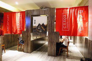 Foto 15 - Interior di Kokku Ramen oleh iminggie