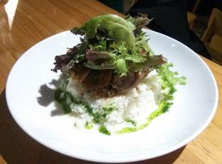 Foto 5 - Makanan(Beef Chimichurri With Garlic Rice (IDR 83k) ) di Gordi oleh Renodaneswara @caesarinodswr