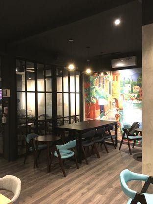 Foto 19 - Interior di Dopamine Coffee & Tea oleh Prido ZH