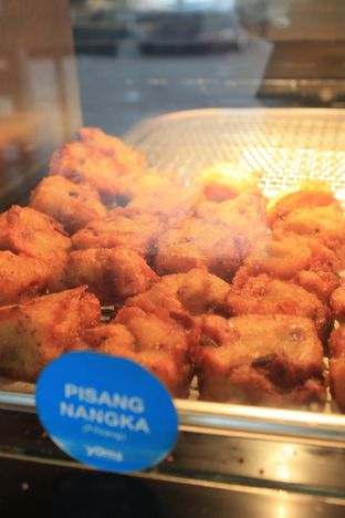 Foto 8 - Makanan di YOMS Pisang Madu & Gorengan oleh Prido ZH