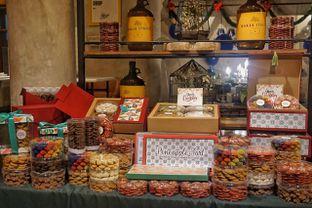 Foto 8 - Interior(Cookies Collection) di Baker Street oleh Fadhlur Rohman