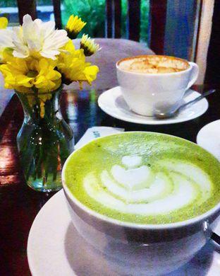 Foto 1 - Makanan(Green Tea Latte) di Meet Me Cafe oleh @stelmaris