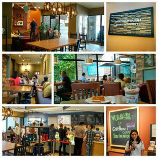 Foto 1 - Interior di Caribou Coffee oleh Risma Rusdyantoro