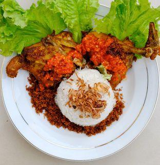 Foto 8 - Makanan di Nasi Uduk Meranti oleh om doyanjajan