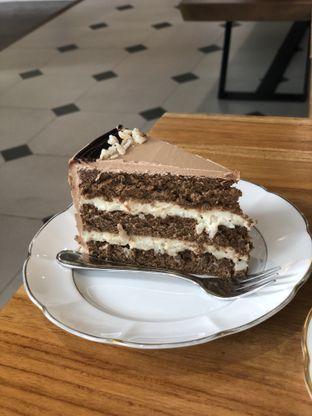Foto 3 - Makanan di Mionette Cakes & Dining oleh Budi Lee