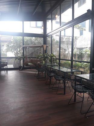 Foto 8 - Interior di Kaca Coffee & Eatery oleh Mouthgasm.jkt