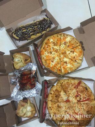 Foto 3 - Makanan di Domino's Pizza oleh bataLKurus