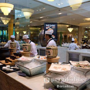 Foto review Satoo Garden Restaurant & Lounge - Hotel Shangri-La oleh Darsehsri Handayani 28