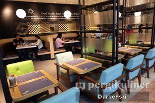 Foto 10 - Interior di MOS Cafe oleh Darsehsri Handayani