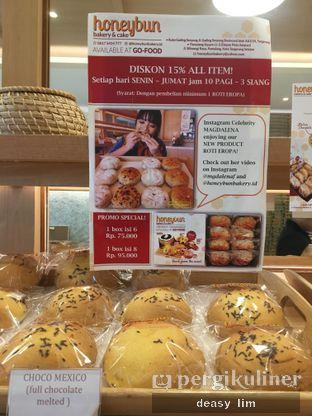 Foto 12 - Interior di Honeybun Bakery & Cake oleh Deasy Lim