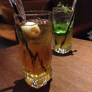 Foto 2 - Makanan(Lychee Ice Tea) di Holywings oleh Wisnu Narendratama