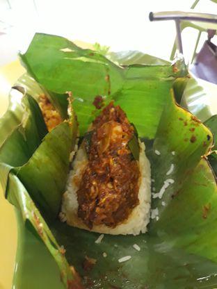 Foto 6 - Makanan di Ayam Kremes Kraton oleh Makan2 TV Food & Travel