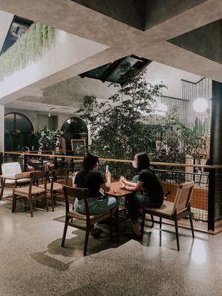 Foto 4 - Interior di First Crack oleh deasy foodie
