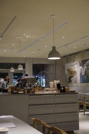 Foto 11 - Interior di 1/15 One Fifteenth Coffee oleh yudistira ishak abrar