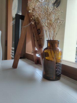 Foto 9 - Interior di Ruach Coffee oleh Makan Terus