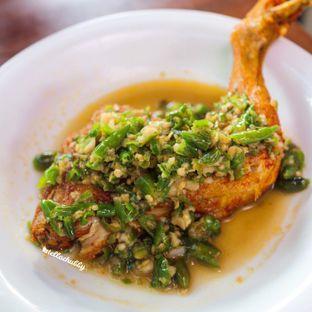 Foto 3 - Makanan di Ayam Pedos oleh Stellachubby