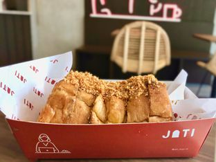 Foto 1 - Makanan(Roti Mocca Nougat) di Jati Kopi oleh Fadhlur Rohman