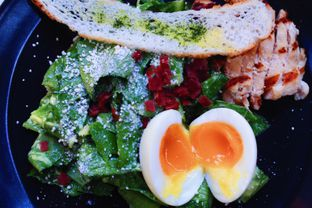 Foto 3 - Makanan(Market Vegetable Salad) di Cups Coffee & Kitchen oleh Novita Purnamasari
