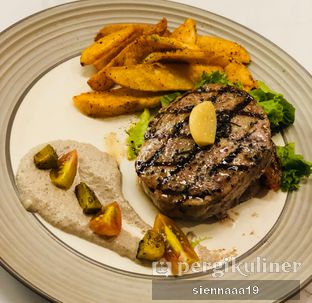 Foto 1 - Makanan(Truffle Steak (200GR)) di Porto Bistreau oleh Sienna Paramitha