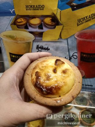 Foto review Hokkaido Baked Cheese Tart oleh Mich Love Eat 4