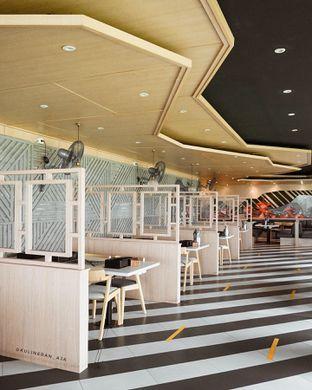 Foto 9 - Interior di Royal Kashimura Japanese Shabu & BBQ oleh @kulineran_aja