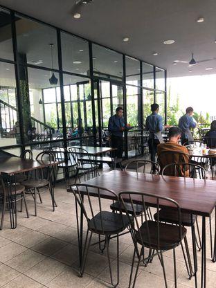 Foto 7 - Interior di Formaggio Coffee & Resto oleh feedthecat