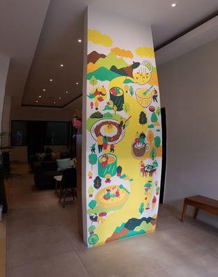 Foto 1 - Interior di Komune Cafe oleh Lombardi .