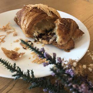 Foto 2 - Makanan(Martabak Croissant) di Phos Coffee oleh @stelmaris