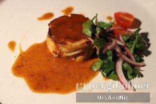 Foto 2 - Makanan di Roosevelt - Hotel Goodrich Suites oleh UrsAndNic