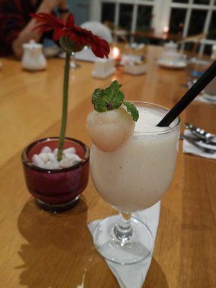Foto 7 - Makanan(Lychee coco) di Wyl's Kitchen - Veranda Hotel Pakubuwono oleh Gabriel Yudha | IG:gabrielyudha