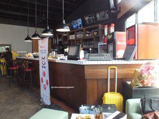 Foto 7 - Interior(Their Bar) di Open Door oleh Vincentia Stepfanie