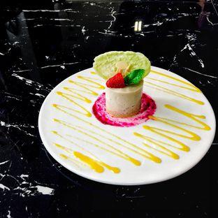 Foto 17 - Makanan di Scenic 180° (Restaurant, Bar & Lounge) oleh Astrid Huang | @biteandbrew
