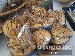 Foto 10 - Makanan di Rokue Snack oleh Tirta Lie