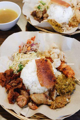 Foto 1 - Makanan di Babi Guling Ko Made oleh Indra Mulia