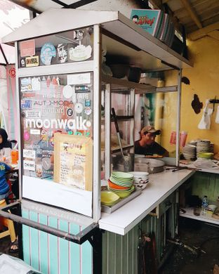 Foto 2 - Interior di Bakso Arief oleh Eat and Leisure