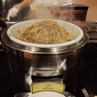 Foto 3 - Makanan(Moyashi) di Kizahashi Restaurant - Bumi Surabaya City Resort oleh Fensi Safan
